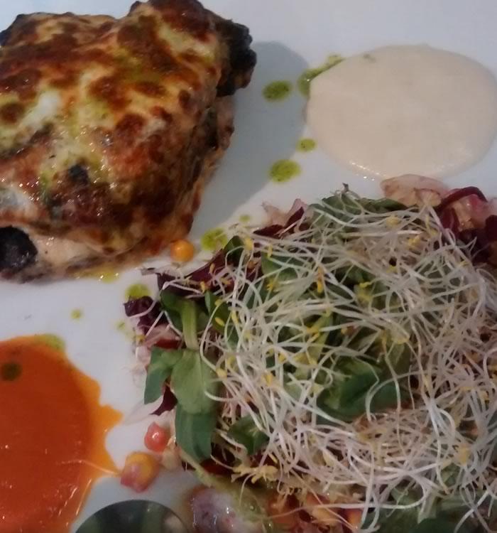 Plato restaurante cúrcuma